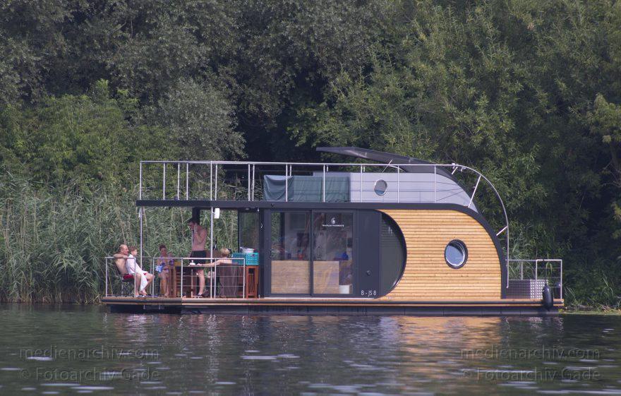 Nautilus Hausboote Berlin hausboot berlin tegeler see nautilus hausboot fotoarchiv gade