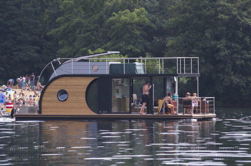 Hausboot - Berlin. Tegeler See. Nautilus Hausboot - Fotoarchiv Gade ...