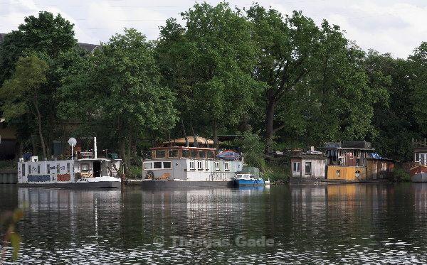 Berlin. Hausboote beim Westhafen