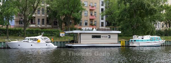 Das Hausboot am Charlottenburger Ufer