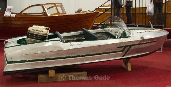 Ein Boot aus Blech. Interessantes Konzept.