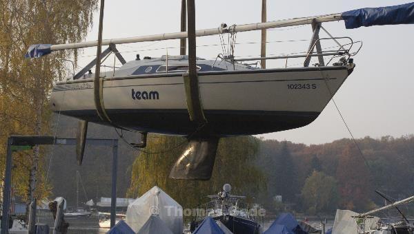 Luftschiff. Die letzte diesjährige Reise des Segelbootes.