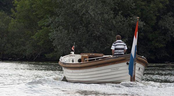Das Boot wird stehend gefahren