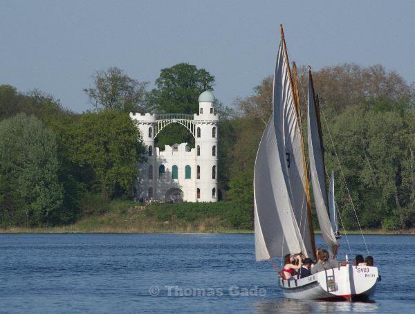 28. 4. 2012. Segelboot auf der Havel vor der Pfaueninsel