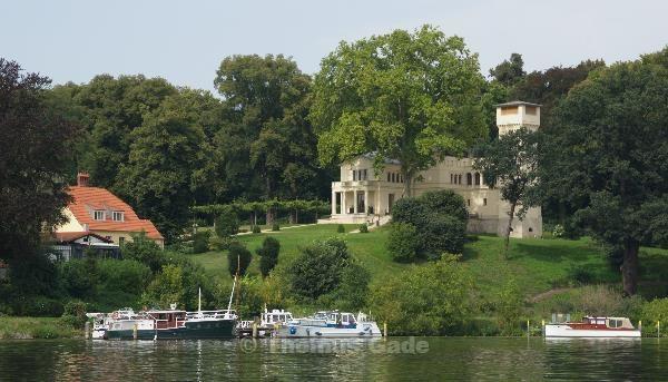 Burgähnliche Villa am Jungfernsee