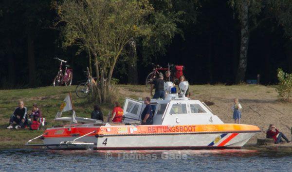 Das Rettungsboot brachte die Surferin zum nahe gelegenen Strand.