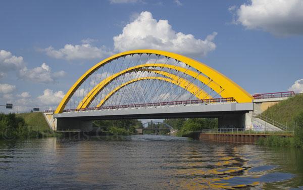 Autobahnbrücke über dem Havelkanal