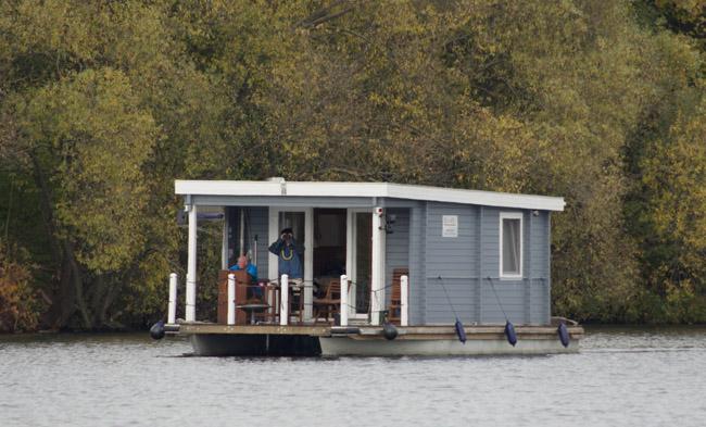 Berlin. Hausboot auf der Havel