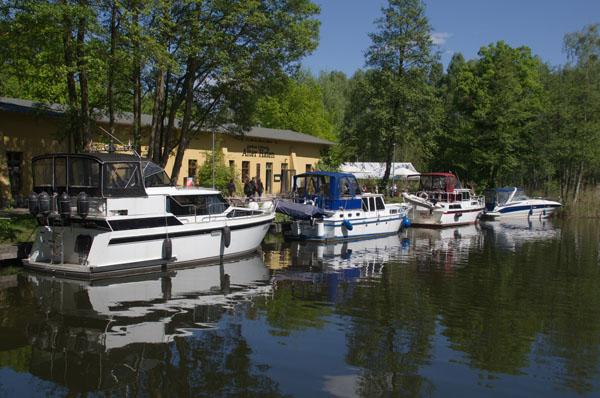Motorboote im Alten Hafen