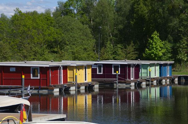 BunBo Hausboote im Neuen Hafen