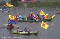 Demonstration 'Energiewende nicht kippen lassen'. Boote im Nordhafen