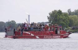 Berliner Feuerwehr. Löschboot III auf der Havel