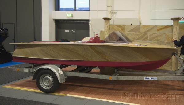 Boot mit Steinschicht