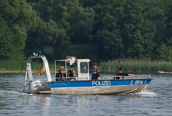 Motorboot der Bereitschaftspolizei auf dem Tegeler See