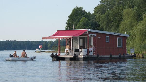 Hausboot auf dem Tegeler See